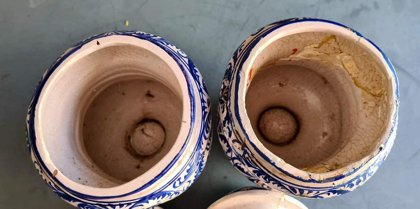 ancienne paire de  pot  à pharmacie Albarello  italien fin 18eme/début 19éme