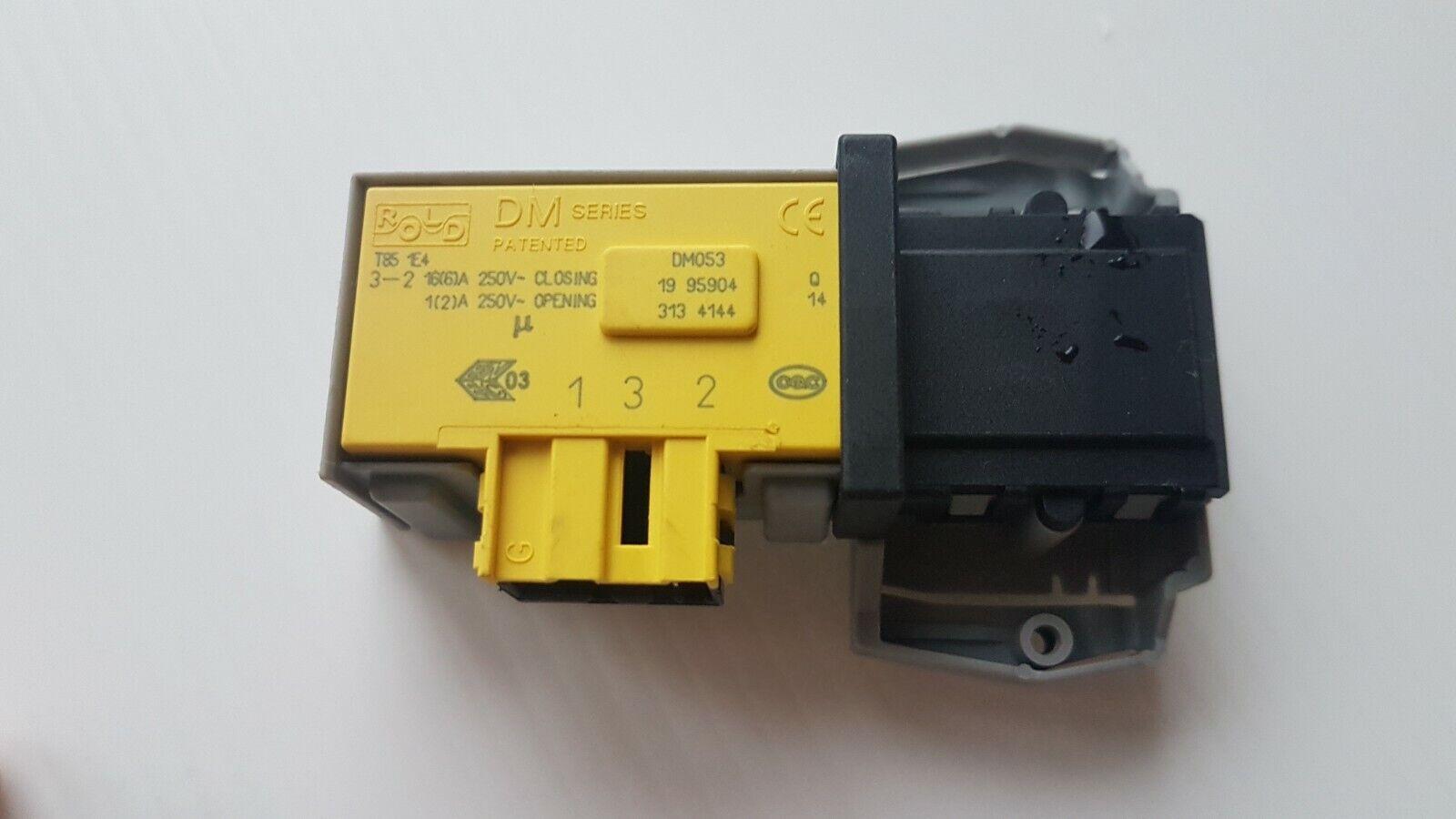 MACHINE A LAVER CANDY HCU210D3-S FERMETURE VERROU SECURITE PORTE