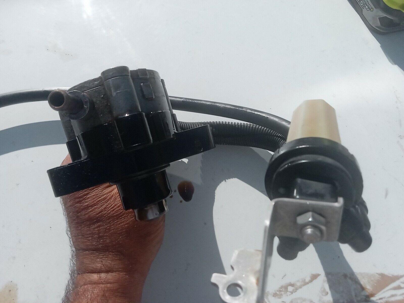 pompe a essence mecanique mercury yamaha 115cv EFI 2005
