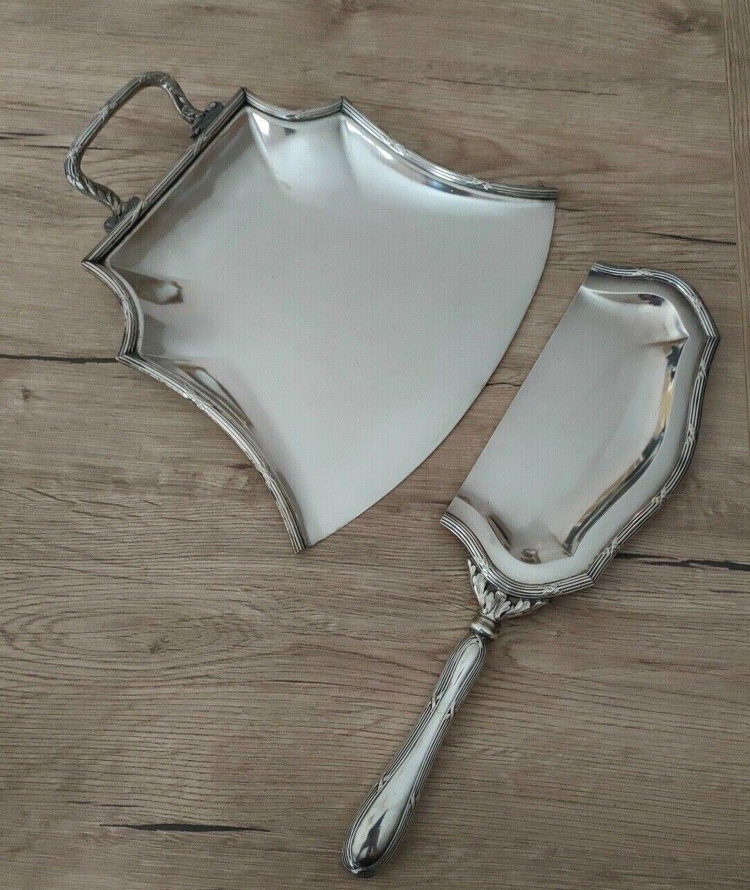 Ramasse miette ancien en métal argenté avec poinçon